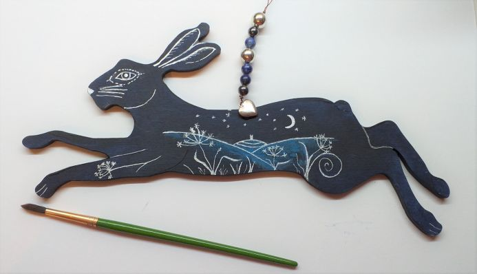 Winter time hare with Tor