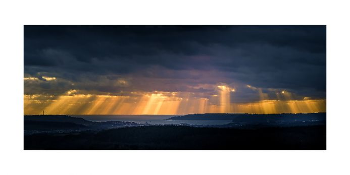 Rays over Plymouth Sound