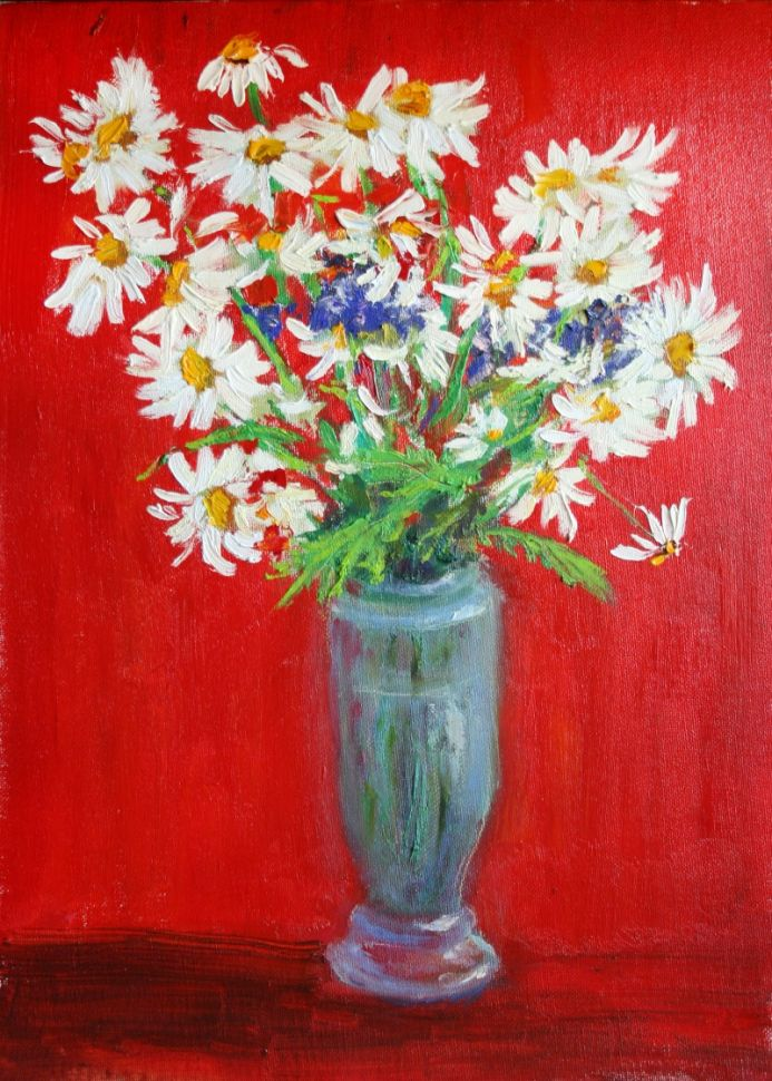 DAISIES ON RED
