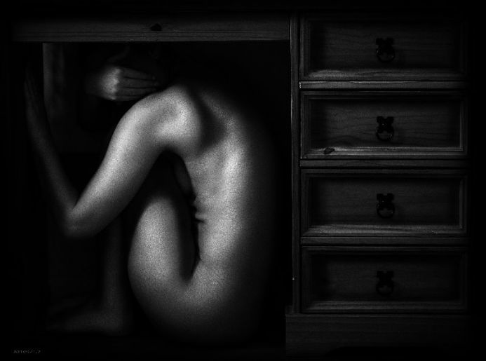 The Hobbit Limited Edition Fine Art Nude #3 Limited Edition Fine Art Print Fine Art Nude in Monochrome 10 Available  Width:406.4mm Height: 508mm  Giclée Fine Art Print, Mounted On 2mm Board.  with Keyline.  Complete with Certificate of Authenticity
